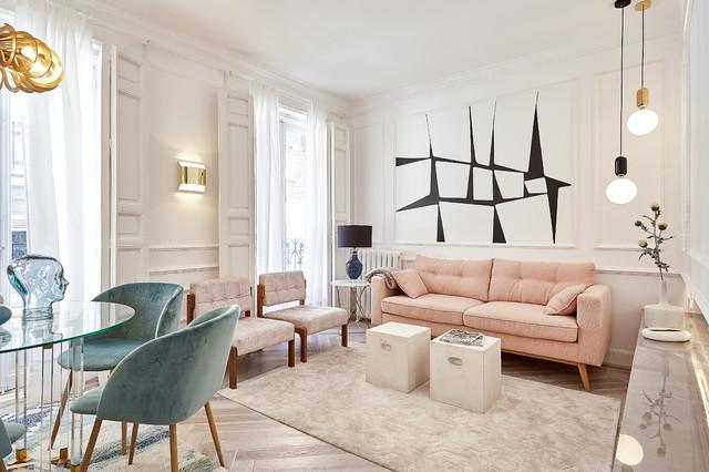 Foto de salón para visitas abierto, contemporáneo, con paredes blancas y suelo beige