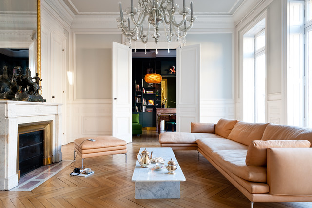 Appartement de type haussmannien contemporain salon for Decoration interieur haussmannien