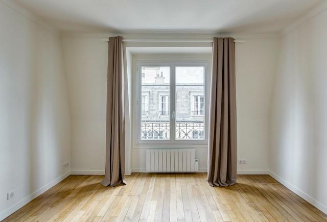 Appartement parisien pour louer en colocation for Salon classique chic