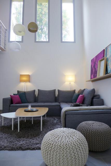 Bleu Ciel Rose Pivoine Une Maison Familiale Contemporaine Raffinee ³ンテンポラリー êビング êヨン Skea Decoration Et Architecture D Interieur Houzz Ïウズ