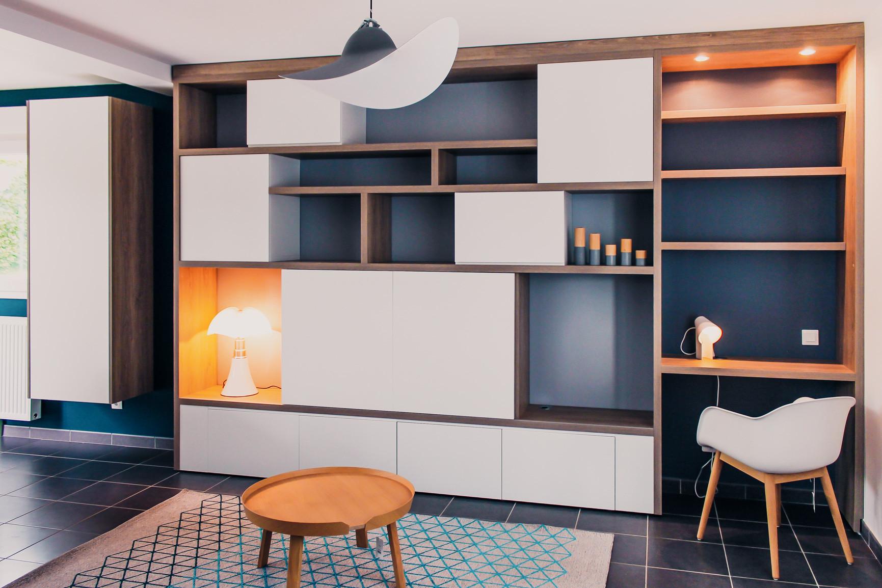 Conception d'un meuble de salon sur mesure avec bureau