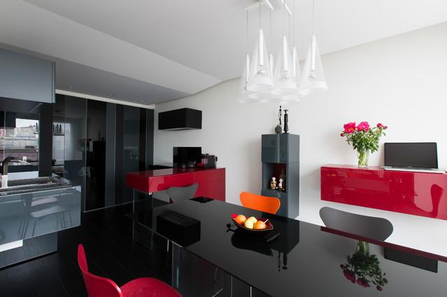 rouge et noir modern wohnbereich