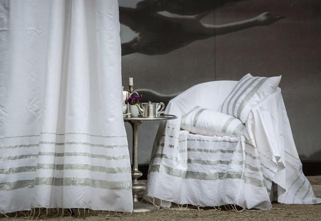 fouta futee ensemble istanbul blanc rayures decroissantes en fil lurex argent bord de mer. Black Bedroom Furniture Sets. Home Design Ideas