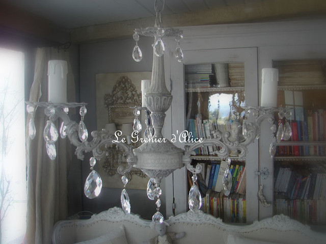 les lustres patin s shabby chic chandeliers. Black Bedroom Furniture Sets. Home Design Ideas