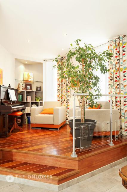 petit salon sur lev contemporain salon other metro. Black Bedroom Furniture Sets. Home Design Ideas