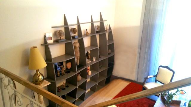 r alisation sur mesure d 39 une biblioth que murale pour sculptures contemporain salon paris. Black Bedroom Furniture Sets. Home Design Ideas