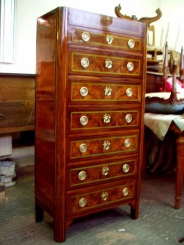 Restauration de meubles et bois de si ges for Restauration de meubles en bois