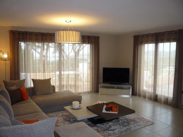 Salon contemporain Luxe - Luxury Living Room - Modern ...