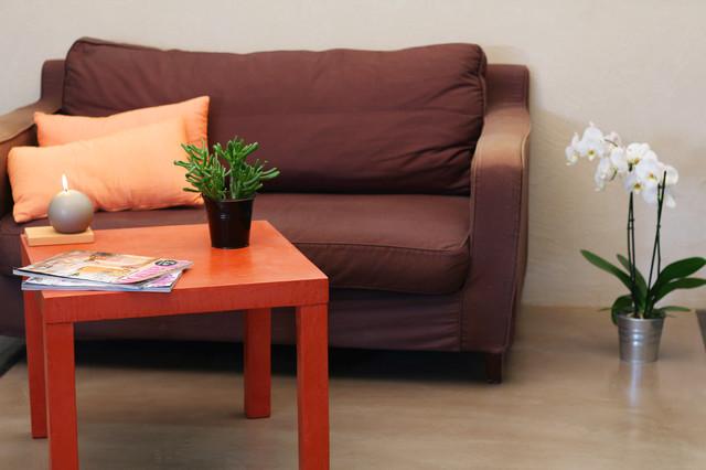 sol de s jour en b ton cir traditional living room. Black Bedroom Furniture Sets. Home Design Ideas