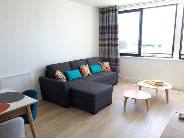 Un appartement aux murs blanc et la déco colorée - Scandinavian ...
