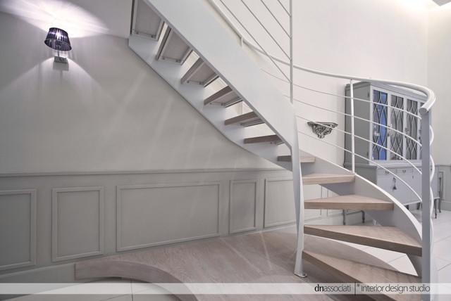 Appartamento g c shabby chic style scale napoli di for Arredare pianerottolo scale