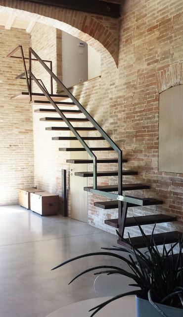 Casa c in campagna scale bologna di for Arredare pianerottolo scale