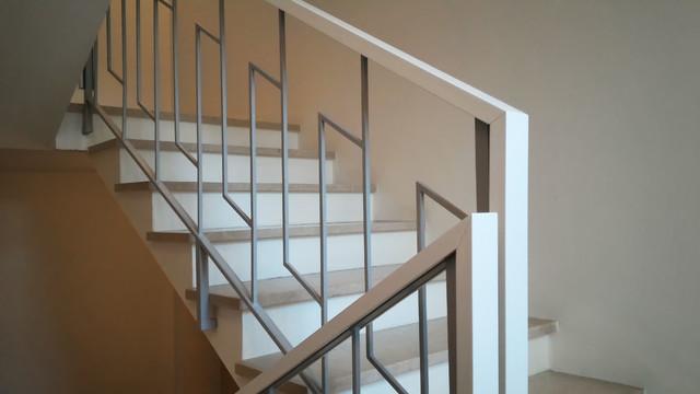 Corrimano scale in legno relaxdays corrimano materiale - Corrimano per scale interne a muro ...