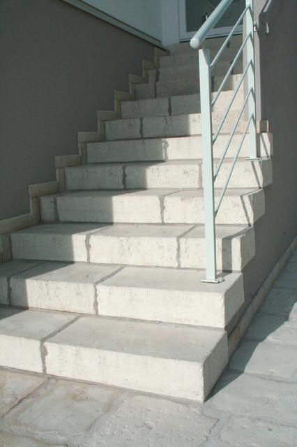 Gres porcellanato effetto cemento cerato in campagna scale venezia di la boutique della - Scale gres porcellanato ...