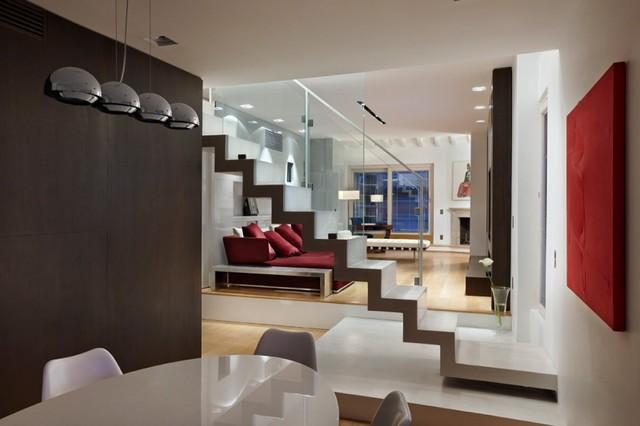 Interior design scale che catturano lo sguardo Contemporaneo