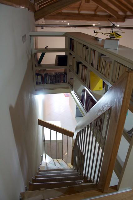Libreria parapetto for Arredare pianerottolo scale