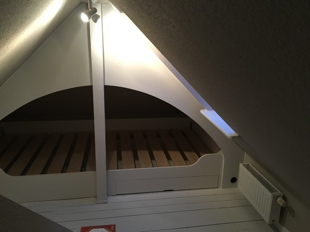 Alkoven Bett In Die Dachschräge Integriert Modern Schlafzimmer