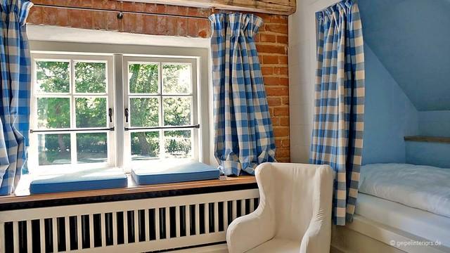 Schlafsofa Landhausstil Malerei : Alkoven unterm dach landhausstil schlafzimmer hamburg von