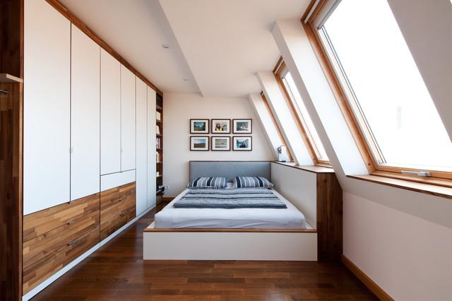 einbaum blierung f r dachwohnung modern schlafzimmer. Black Bedroom Furniture Sets. Home Design Ideas