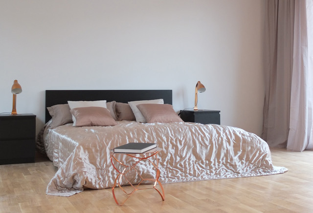 home staging contemporary bedroom other metro by berlin homestaging. Black Bedroom Furniture Sets. Home Design Ideas