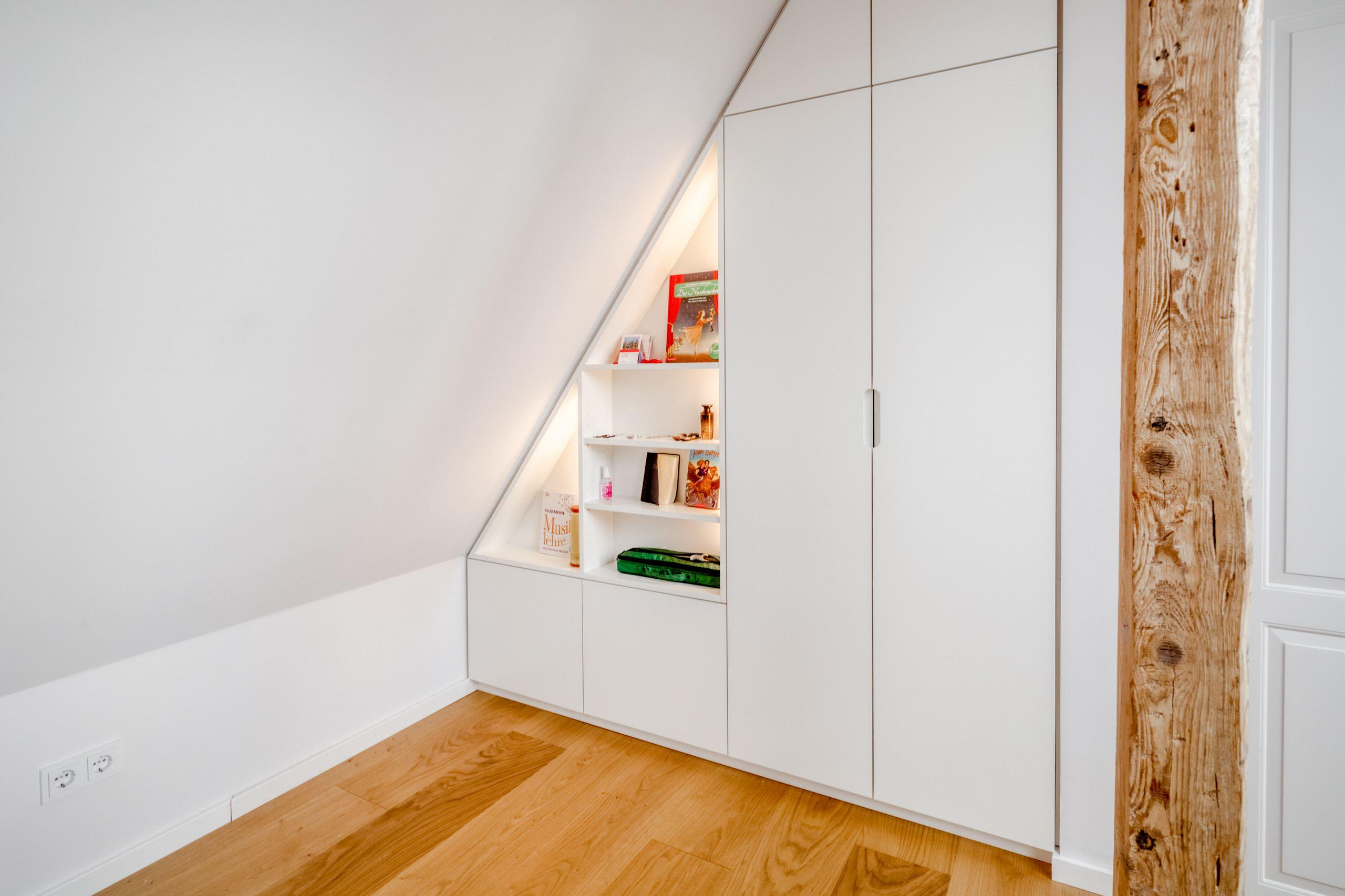 KHS89 - Einbauten Dachgeschoss