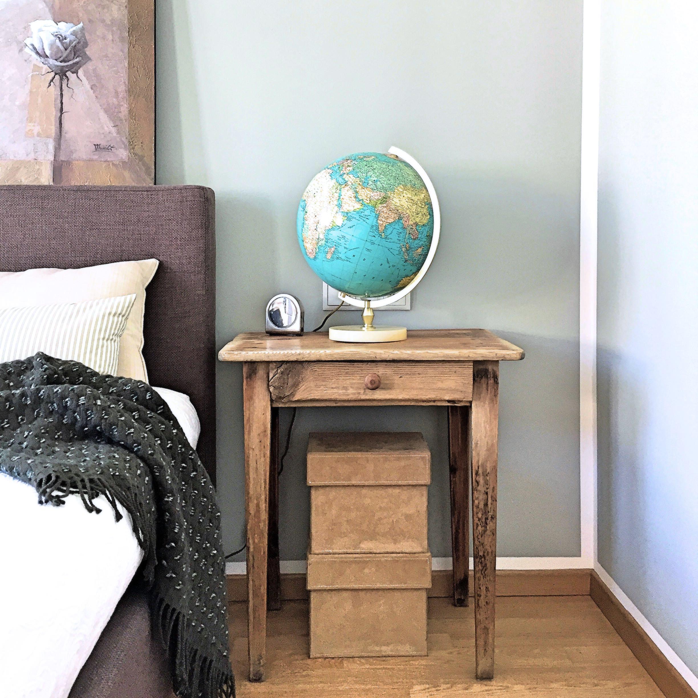 Möbel mit Geschichte neu belebt im Schlafzimmer