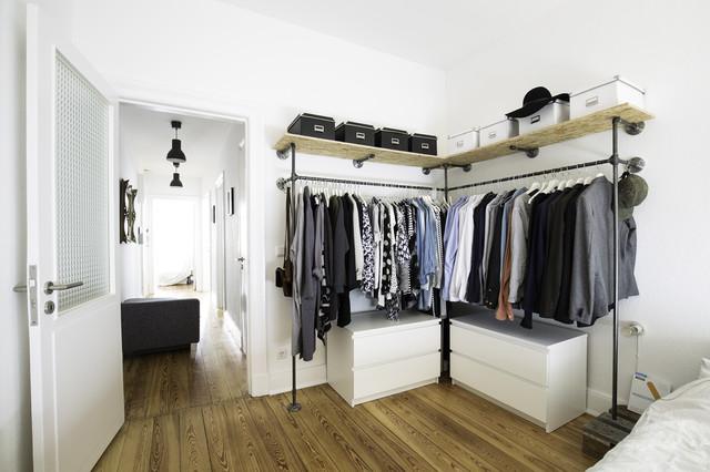 Offener Kleiderschrank Industrial Bedroom Hamburg By Various Steel Pipe Interior Industrial Design