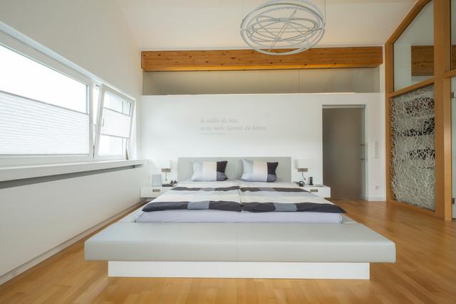 Schlafraum Mit Ankleide Und Badezimmer - Modern - Schlafzimmer