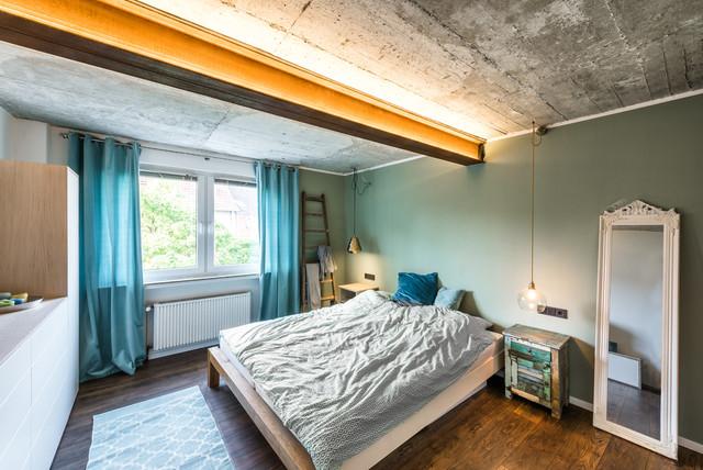 Schlafzimmer mit Betondecke - Eklektisch - Schlafzimmer ...