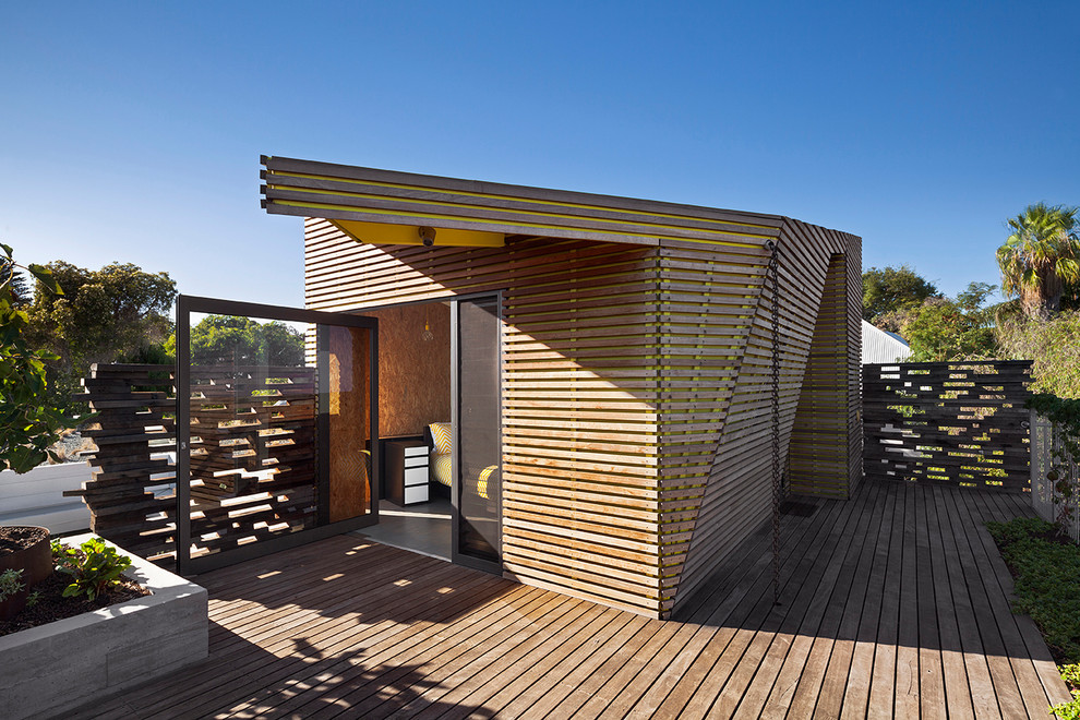 Inspiration for a contemporary detached guesthouse remodel in Perth