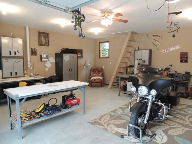 318 Normandy Ct Grandville MI 49418 traditional-garage-and-shed