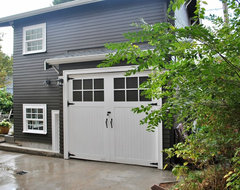 Backyard Cottage traditional-garage-and-shed