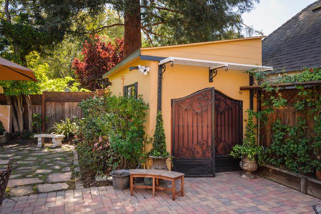 Barrolihet Road Revival - Mediterran - Gartenhaus - San Francisco ...