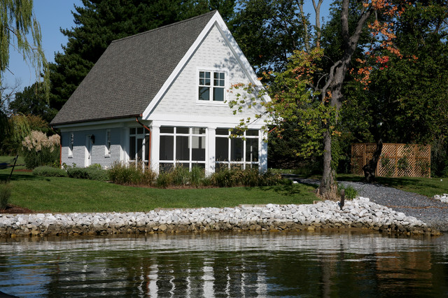 Beach Style Garage And Shed beach-style-garage-and-shed