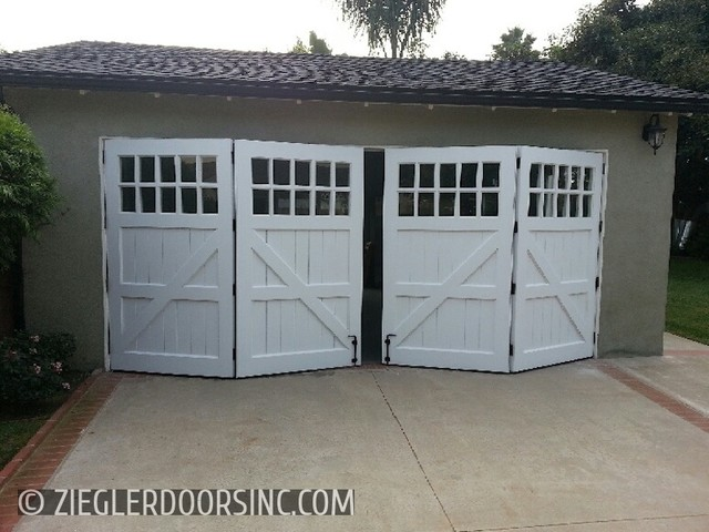 Carriage Garage Door In A Bi Fold