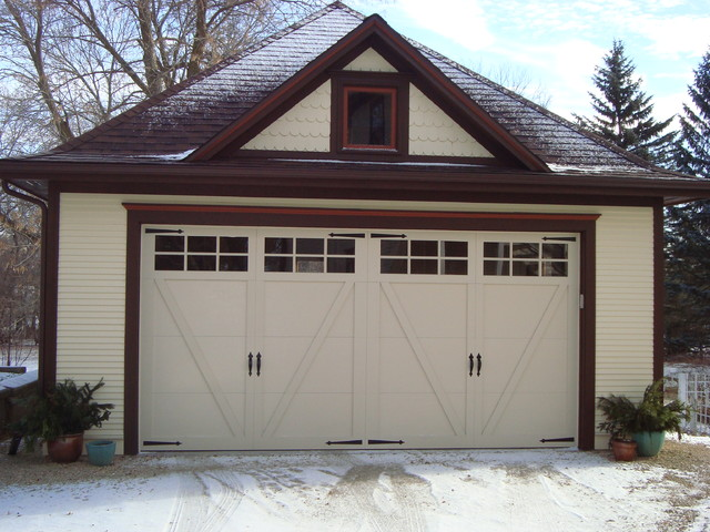 Carriage house style garage doors for Craftsman style garage lights