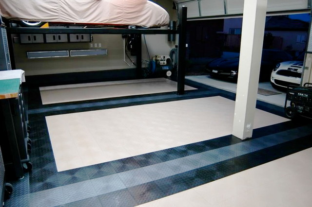 Cool looking garage flooring traditional garage and for Garage ad sainte foy de peyroliere