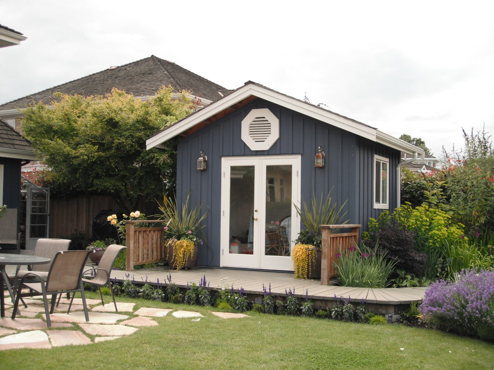 Garden shed - traditional garden shed idea in Vancouver