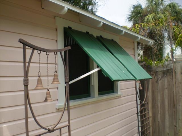 Custom 8'x10' Jerkinhead Shed traditional-garage-and-shed