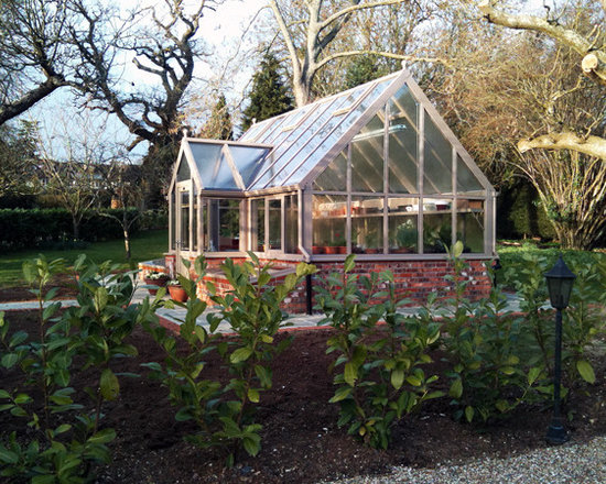 Custom made greenhouses - Hartley Botanic Inc.