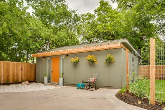 Dana Perez: Mid2Mod in-law house - midcentury - garage and shed ...