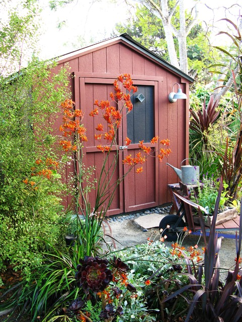 debora carl landscape design contemporary-garage-and-shed