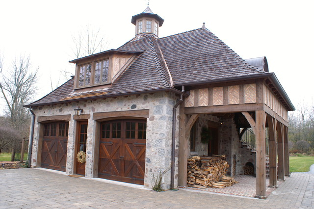 Carriage House Residence Traditional Garage And Shed