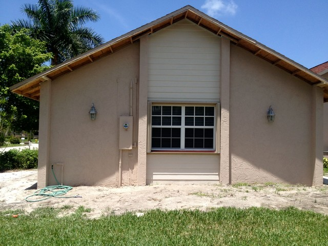 Fort myers garage addition for Traditional garden buildings