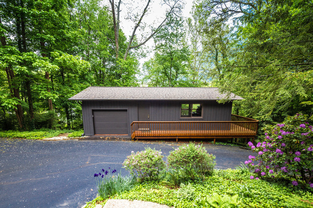 Frank Lloyd Wright Inspired House Modern Garage And