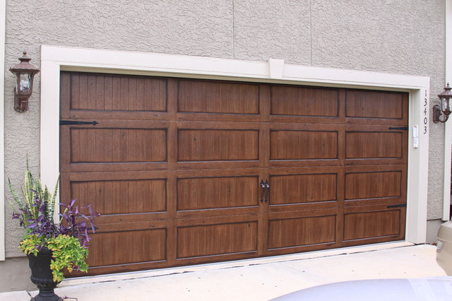 Garage Doors - Traditional - Garage And Shed - kansas city ...