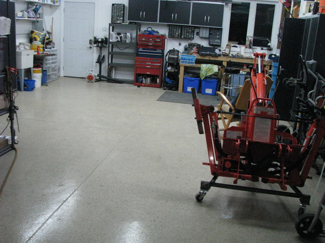 Garage floors traditional-garage-and-shed