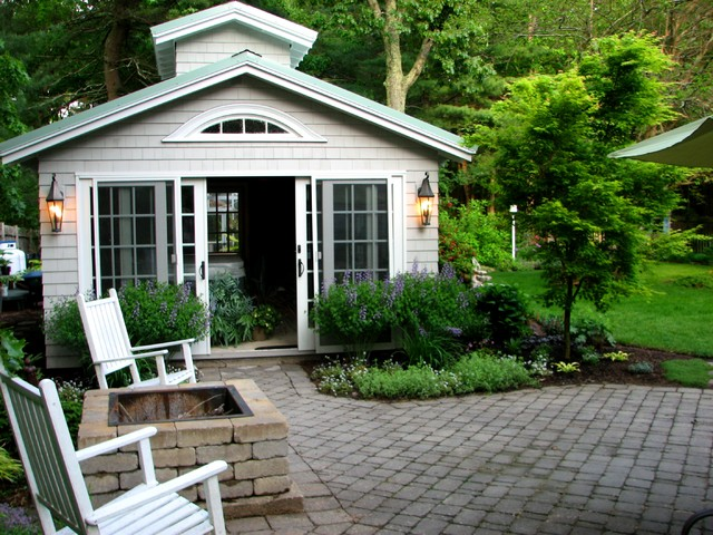 Garden room with spa and greenhouse patio and gardens for Green garden rooms