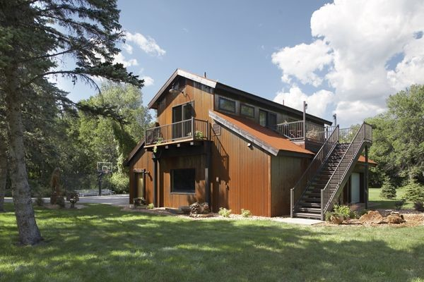 Guest house garage Contemporary Shed Minneapolis