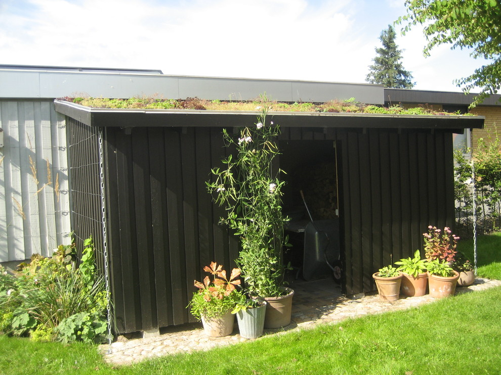 This is an example of a classic garden shed and building in Odense.